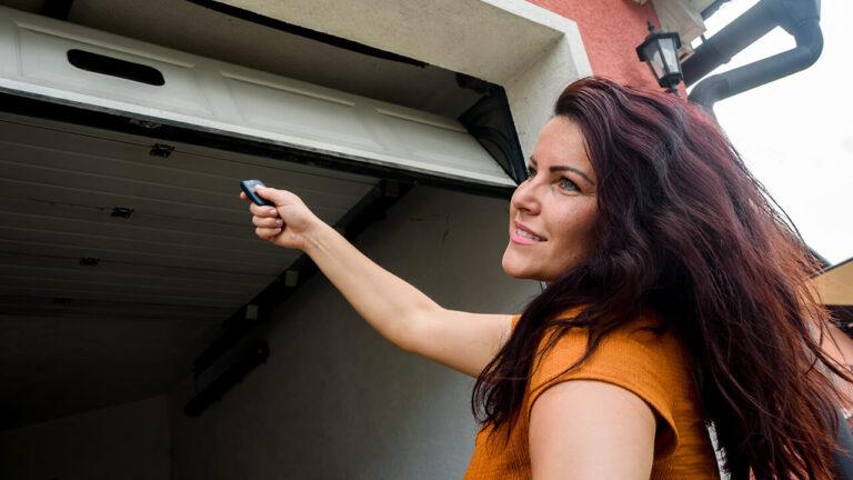 Garage Door Repair & Installation in Cleveland Central